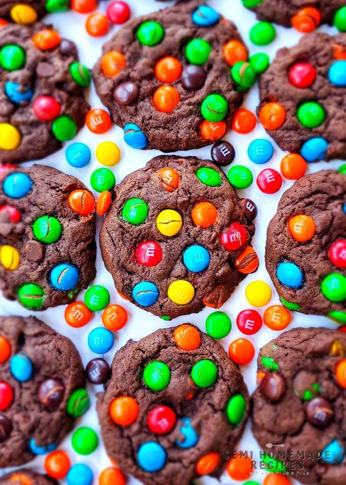 M&M'S CHOCOLATE CAKE MIX COOKIES (9)