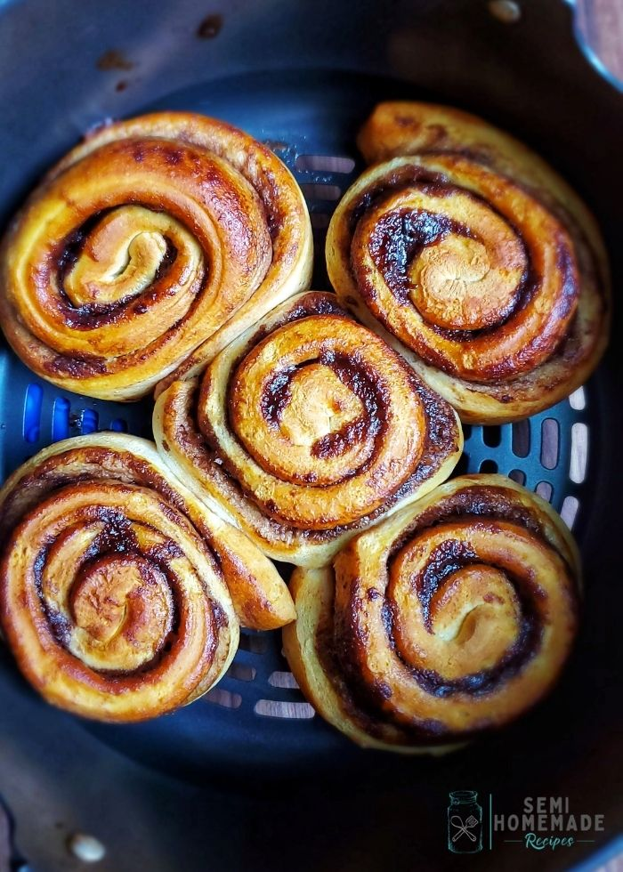 Cinnamon buns in air fryer
