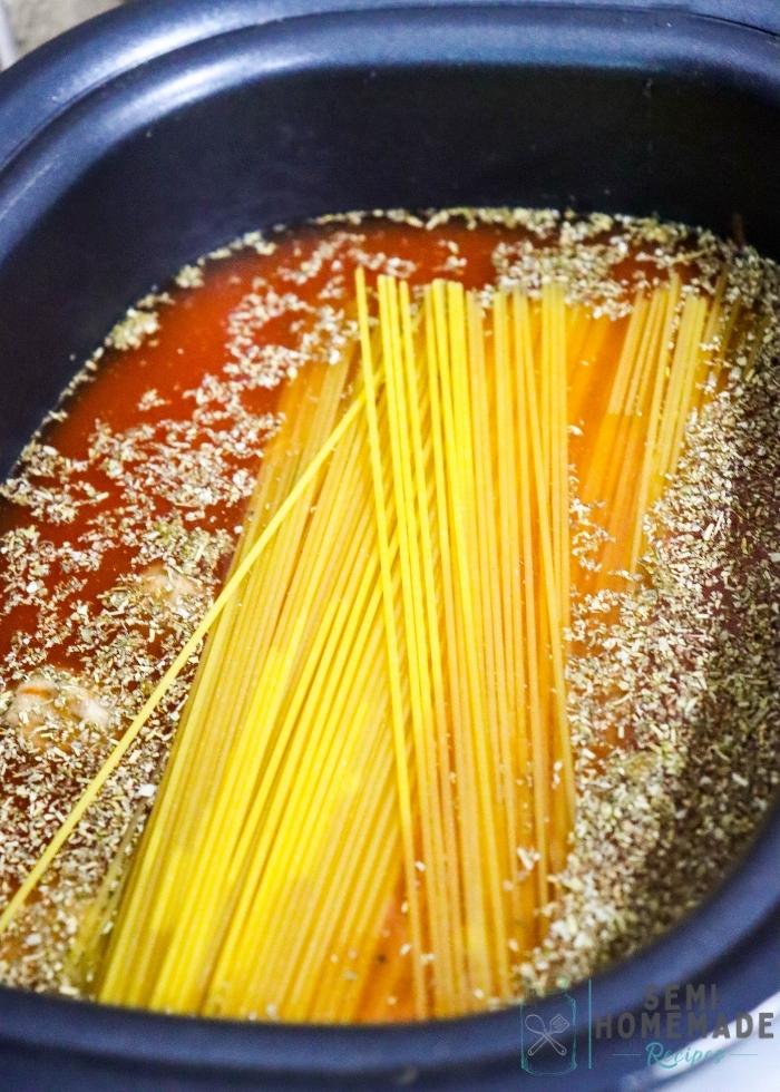 Spaghetti Noodles in crockpot